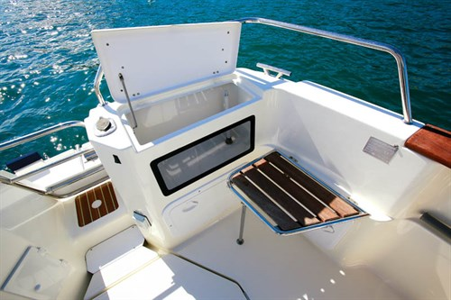 Arvor 280AS livewell and benchseat