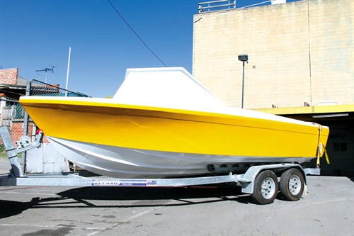 Painted Haines V19 project boat