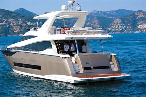 Prestige 750 boat