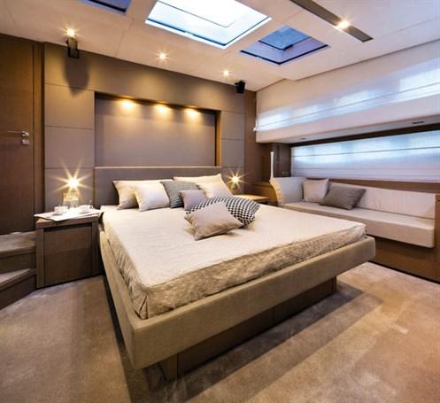 Prestige 750 stateroom