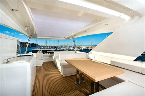 Prestige 750 deck view