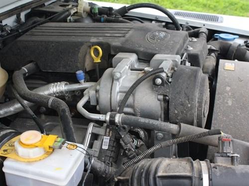 Land Rover Defender 90 Engine
