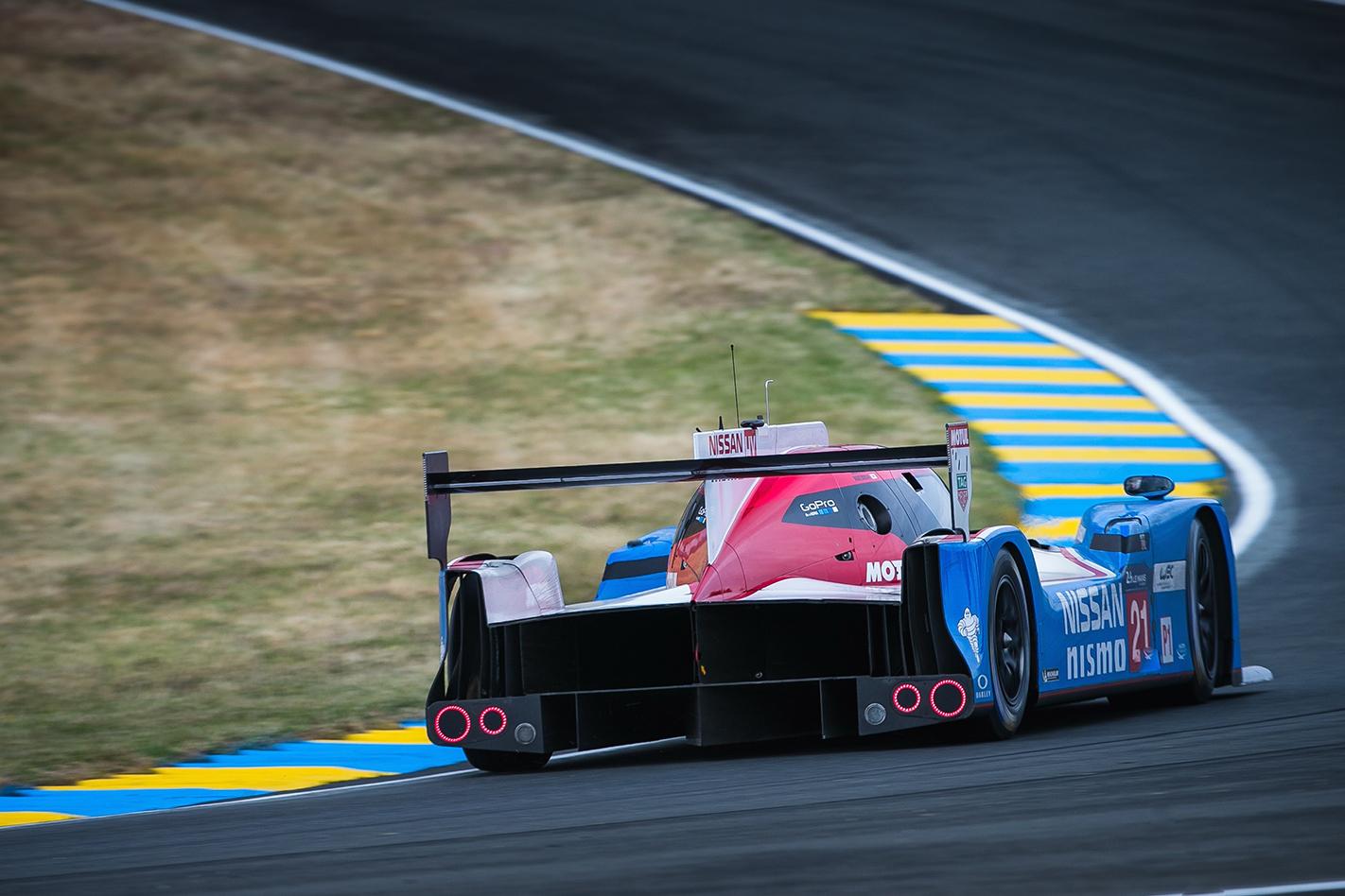 Nissan LMP1 Le Mans racer