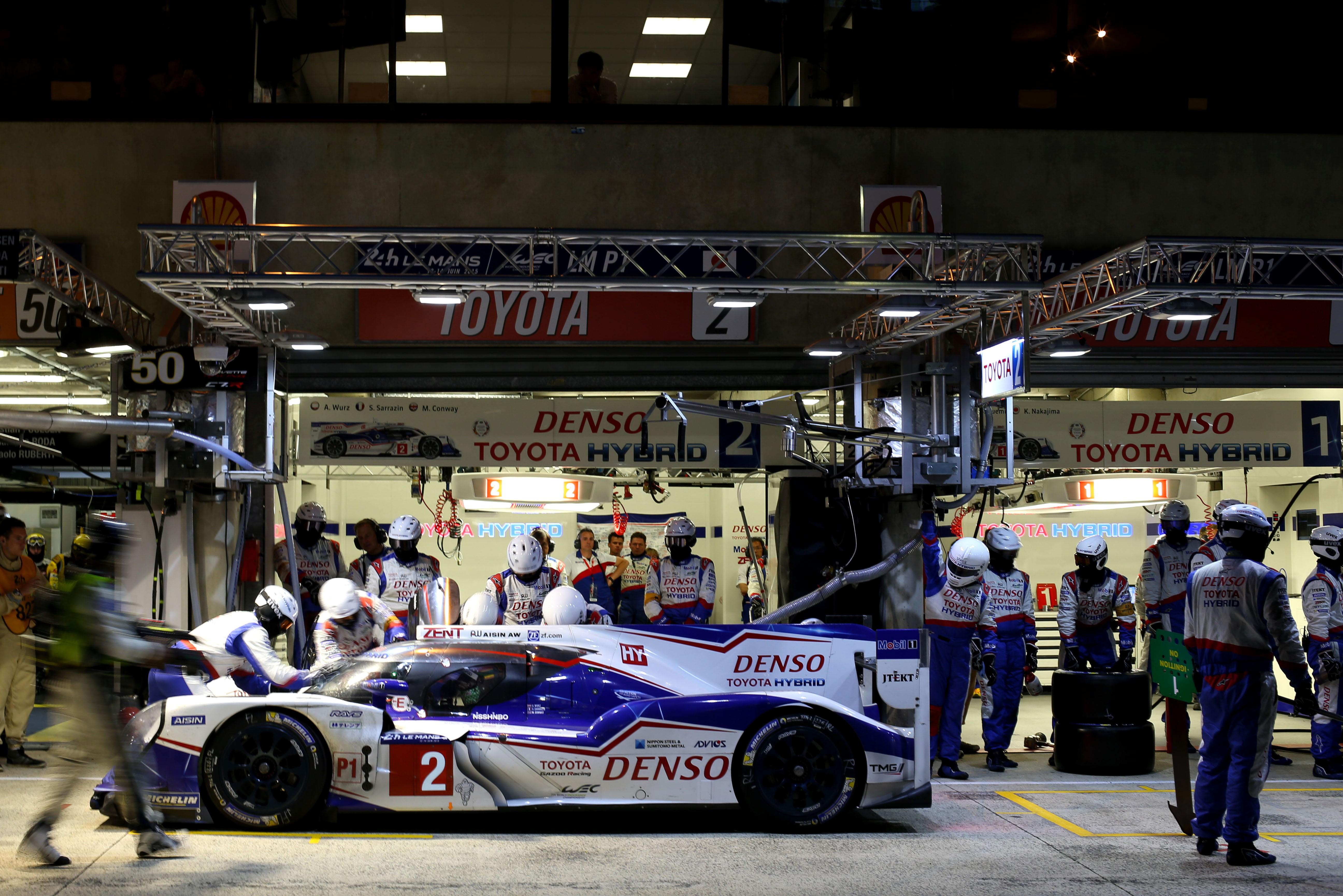 Toyota LM2015