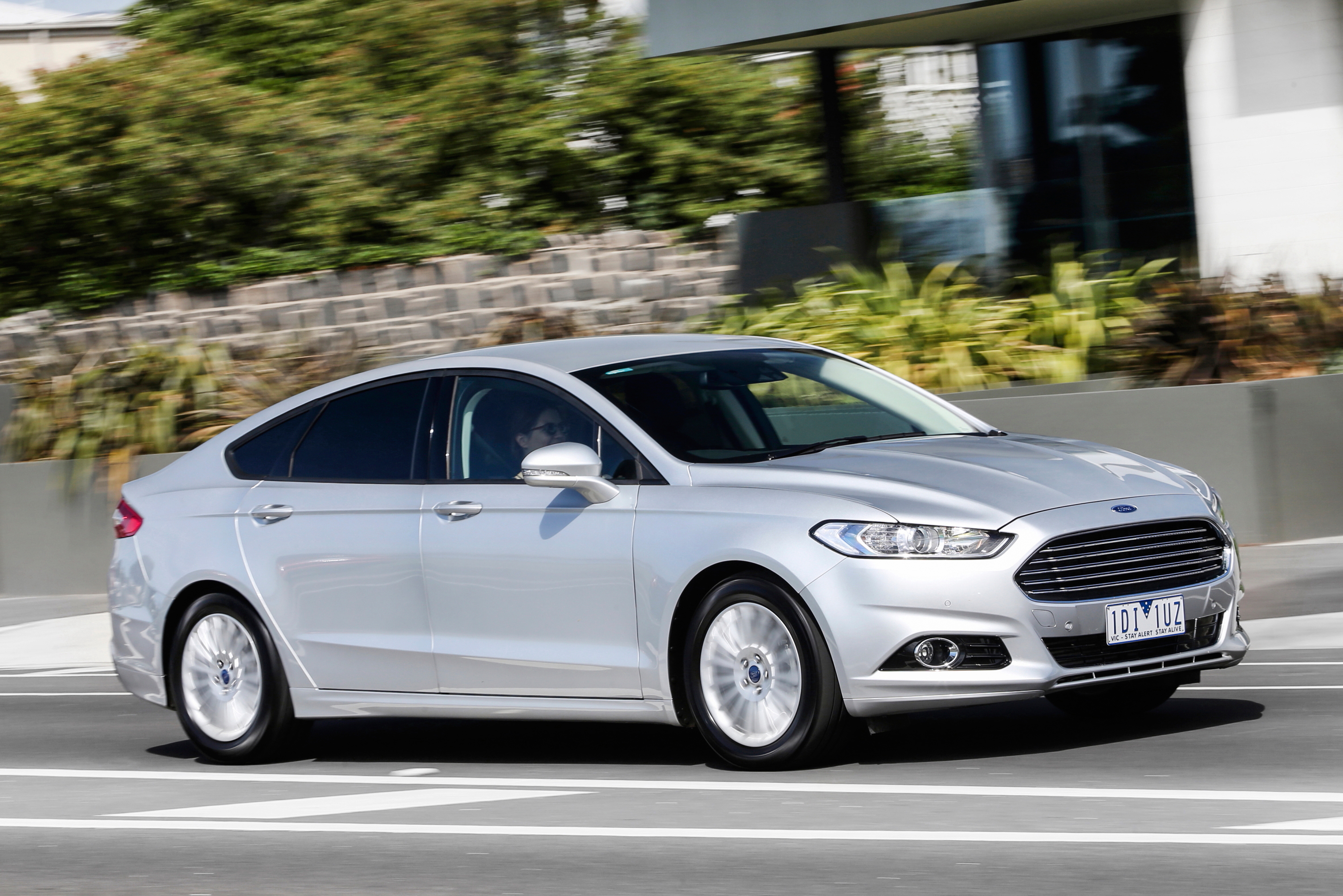 Ford Mondeo 2015WEB