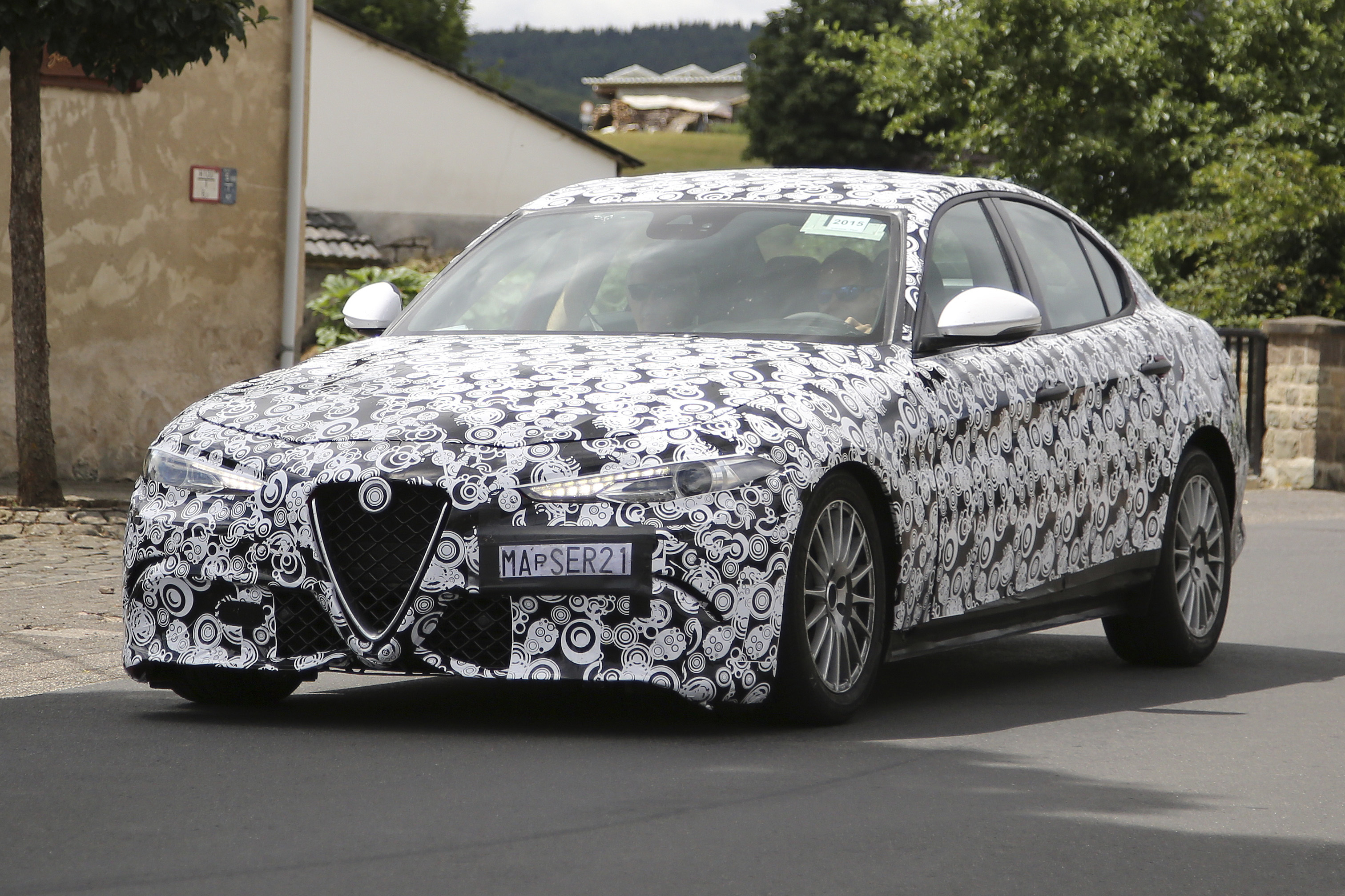 2016 Alfa Romeo Giulia spy pics