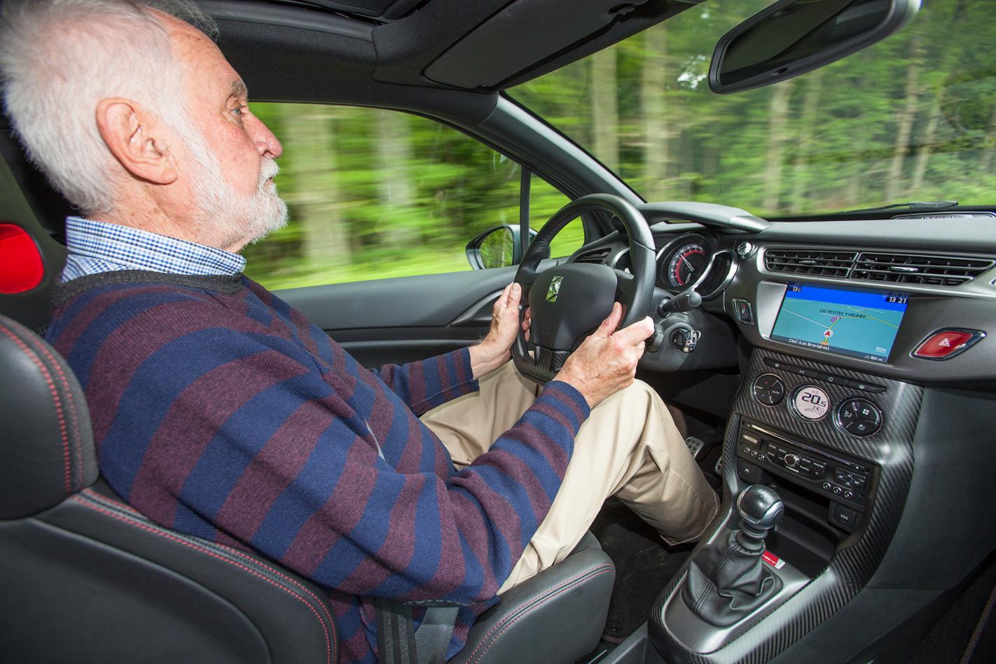 2015 Citroen DS3 Racing drive