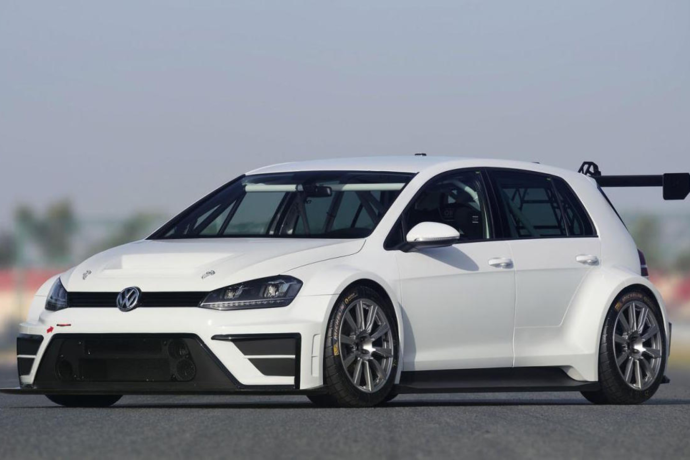 Volkswagen -Golf -TCR-concept -front