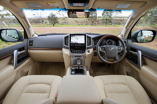 Land -Cruiser -interior