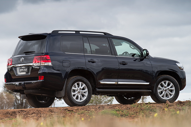 Land -Cruiser -200-side -profile