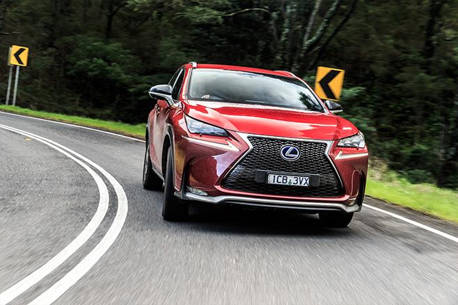 Lexus -road -suvcomparo -embed