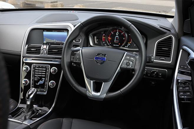 Volvo -interior -suvcomparo