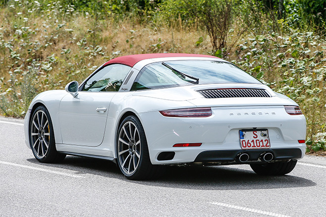 2016-porsche -911-white -cabrio -spy -photo