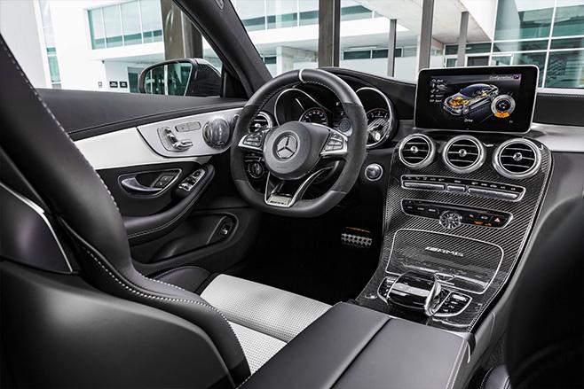 Mercedes -c 63-s -coupe -interior