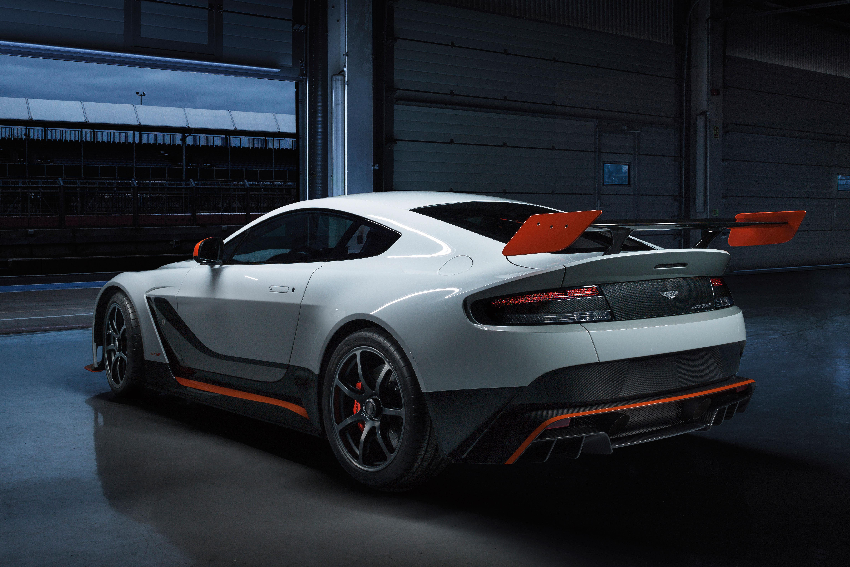 Aston -Martin -Vantage -GT12