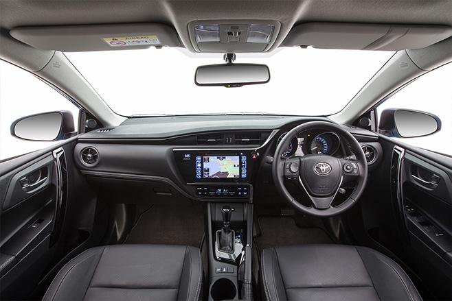 Toyota -corolla -zr -hatch -interior