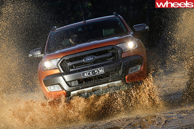 Ford -Ranger -Driving -through -mud