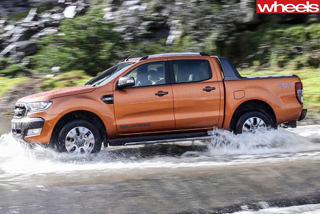 Ford -Ranger -Driving -through -water -side