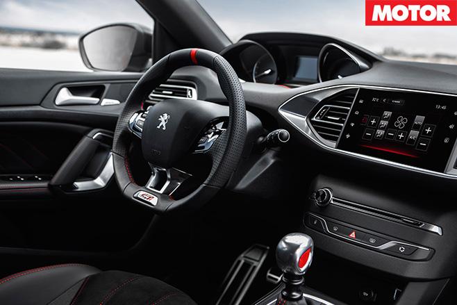 Peugeot 308 GTi 3