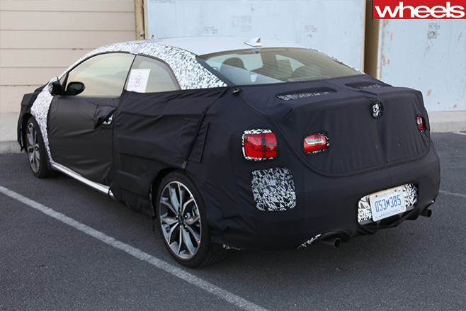 Kia -Forte -Koup -rear -side -spy -shot