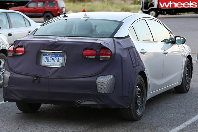 Kia -Forte -sedan -rear -spy -shot