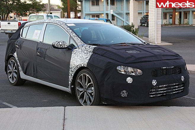 Kia -Forte -Hatch -front -spy -shot