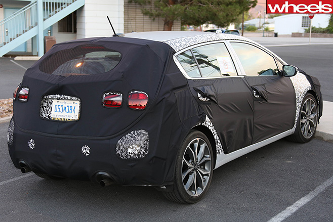 Kia -Forte -Hatch -rear -side -spy -shot