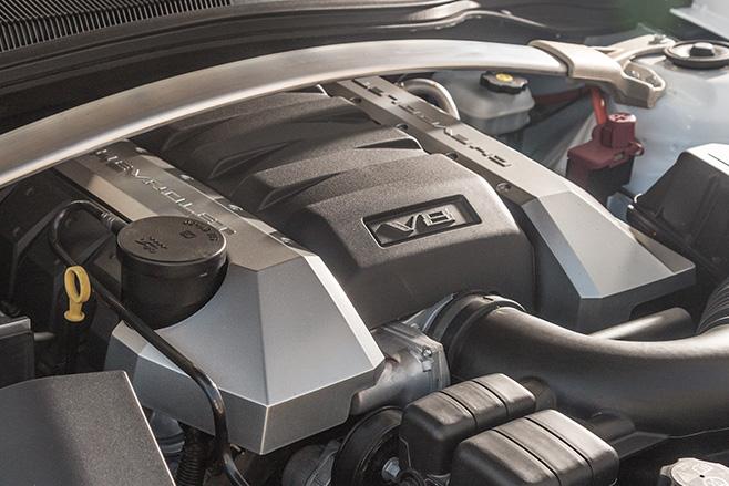 Chevrolet -camaro -small -block -v 8-engine