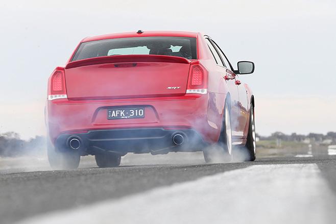 Chrysler -SRT-8-rear -burnout