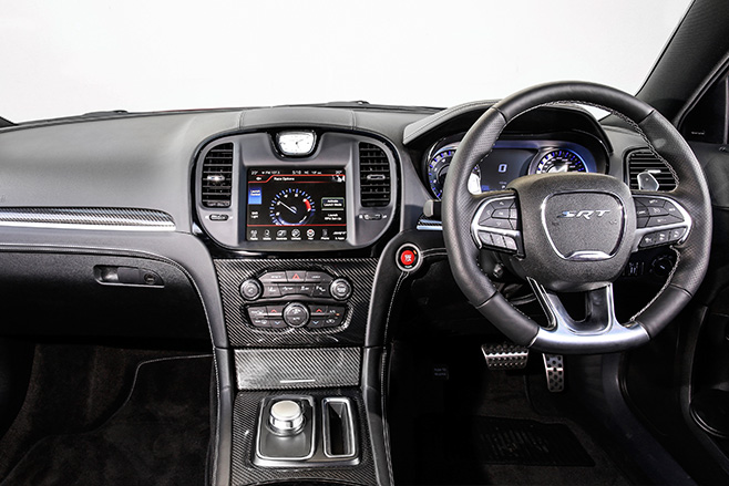 Chrysler -SRT-8-dash