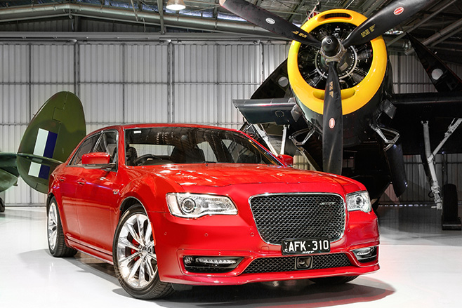 Chrysler -SRT-8-AIRSTRIP