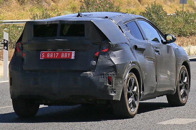 Toyota -C-HR-Spy -rear