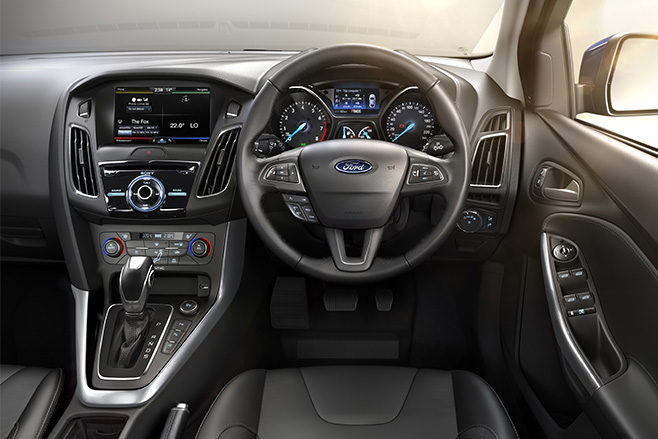 Ford -focus -review -interior -dash -and -steering -wheel