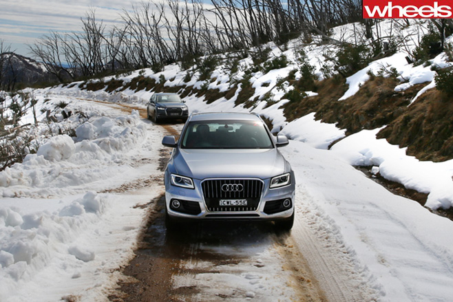Audi -Q7-driving -Snow