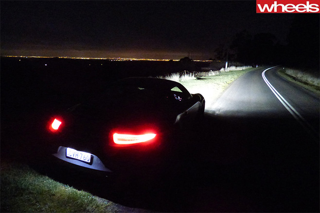 Porsche -911-rear -taillights -night-