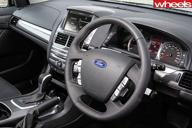 FALCON-G6E-ECOBOOST-steering -wheel