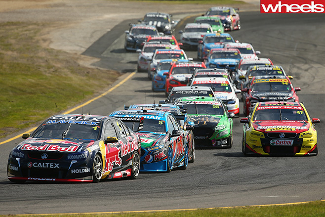 Sandown -500-V8-Supercars -racing