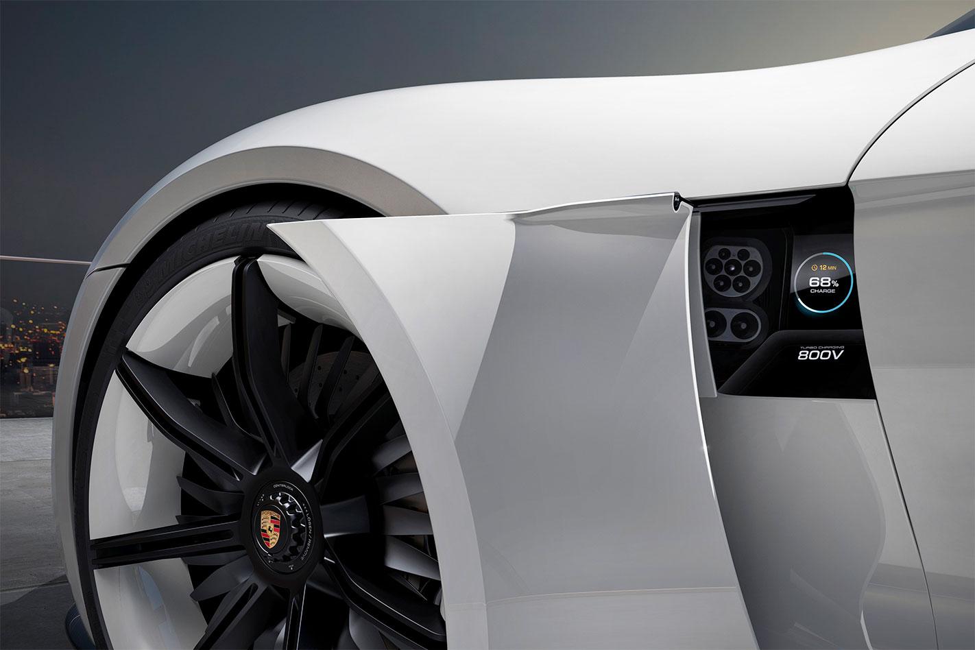 Porsche -Mission -E-charge -port
