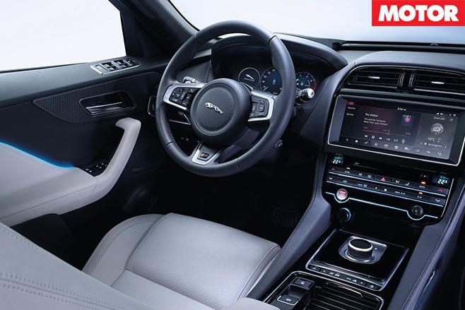 Jaguar f-pace 3