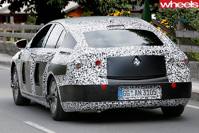 Opel -insignia -spy -pic -rear