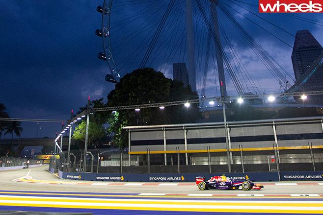 Daniel -Ricciardo -racing -in -F1-