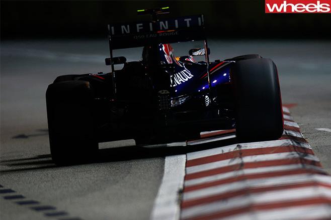 Daniel -Ricciardo -racing -in -F1jpg