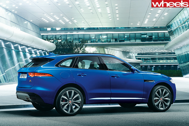 Jaguar -F-Face -Front -at -Frankfurt -Motor -Show -side