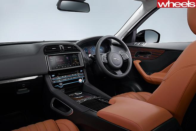 Jaguar -F-Face -Front -at -Frankfurt -Motor -Show -interior-