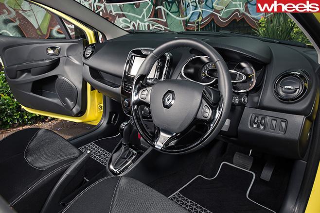 Renault -clio -interior