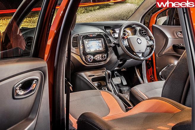 Renault -Captur -interior