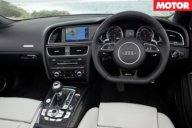 Audi rs5 cabrio interior