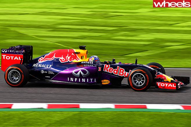 Red -bull -F1-Car.