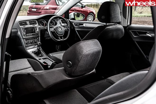 Peugeot -308-Access -interior