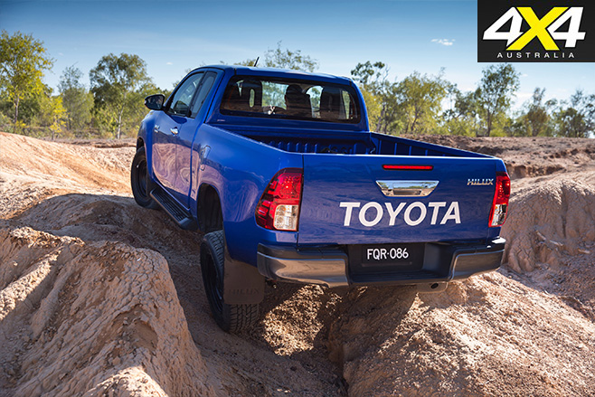 Toyota -hilux -2016-4